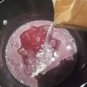 boiling the berry juice