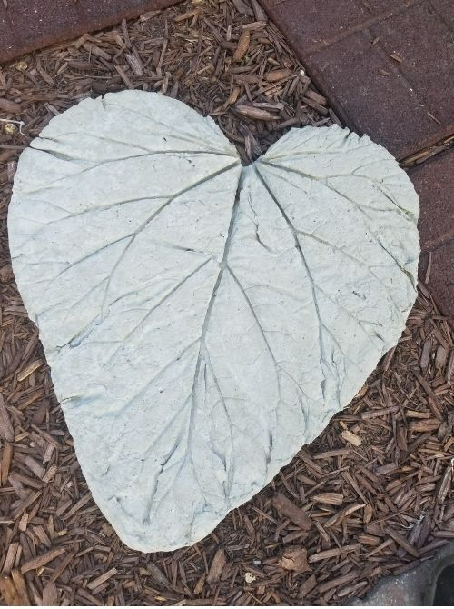 Finished leaf stepping stone